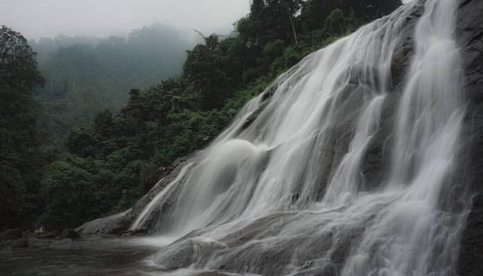 Air Terjun Di Kendal