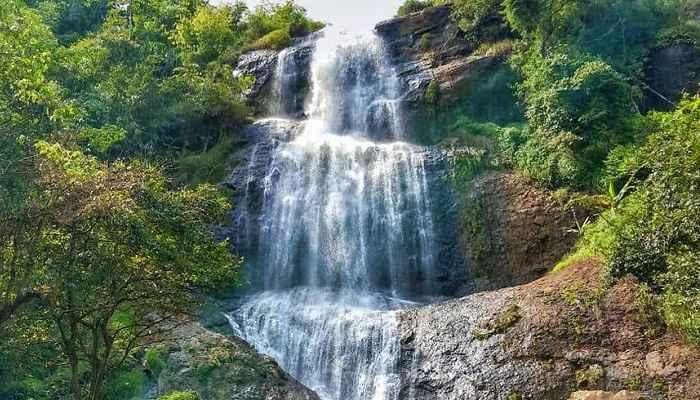 5 Daftar Air Terjun Curug Di Wonosobo Paling Mempesona Sanjaya Tour