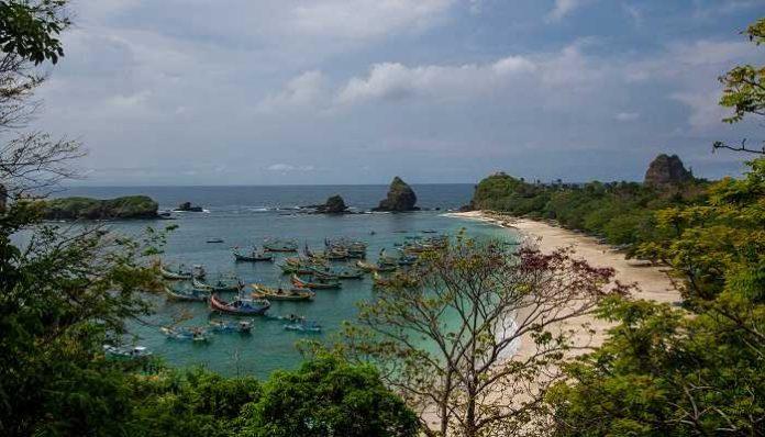 Wisata Pantai Di Jember