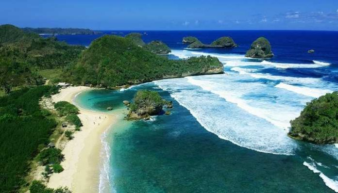 Wisata Pantai Malang Dengan Pesona Yang Menakjubkan Sanjaya Tour