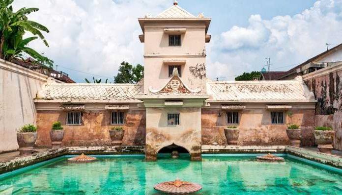 Taman Sari Jogja Destinasi Wisata Yang Wajib Di Kunjungi Sanjaya Tour
