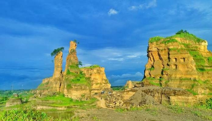 Tempat Wisata Brown Canyon Semarang