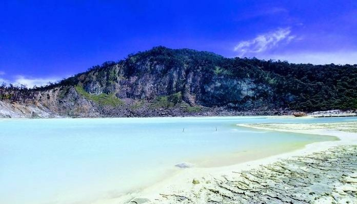 Destinasi Wisata Kawah Putih Bandung