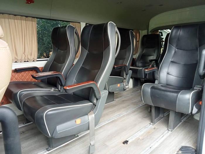 Interior Kursi Penumpang Travel